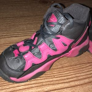 Nike 9T Girl shoes